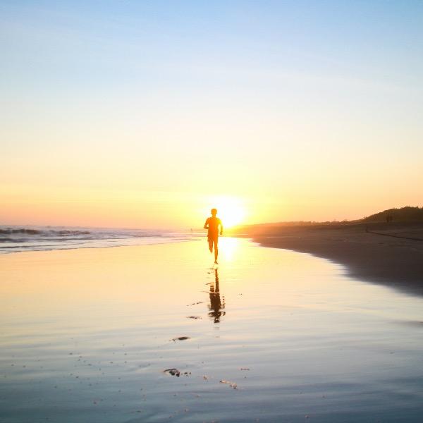Titelbild für den Blogbeitrag, laufender Mann